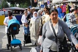 Dailly Schaarbeek markt diversiteit samenleving hoofddoek
