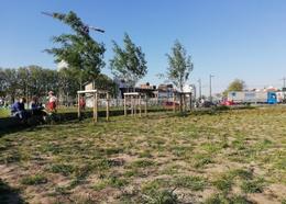Het park aan de Ninoofsepoort wordt beheerd door Leefmilieu Brussel